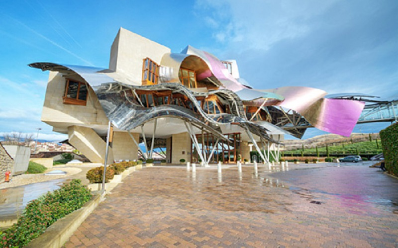 E7ATW4 El ciego, Spain- January 10, 2014: Winery of Marques de Riscal on January 10, 2014 in Elciego, Basque Country, Spain. This moder