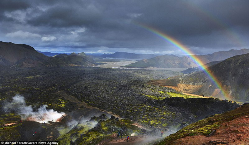 wanderlust-tips-nghet-tho-voi-nhung-buc-anh-cau-vong-tuyet-dep-o-iceland-6