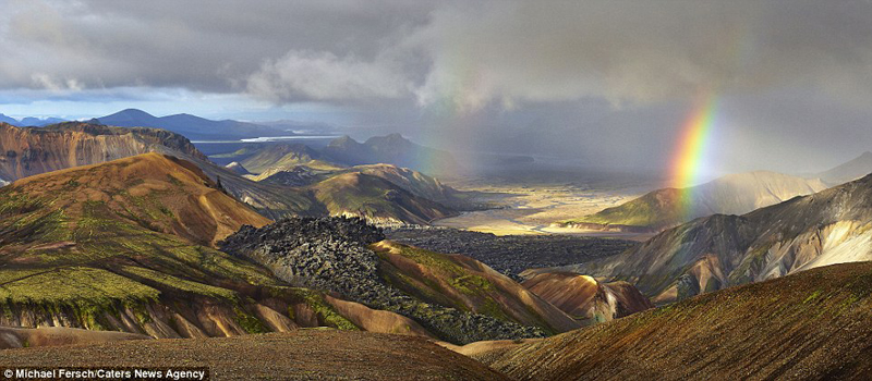 wanderlust-tips-nghet-tho-voi-nhung-buc-anh-cau-vong-tuyet-dep-o-iceland-9